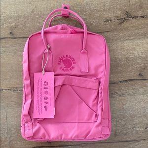 Fjällräven Re Kanken Backpack in Rose pink